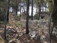 et il ne restera pas pierre sur pierre (obmm) Tags: france canon powershot paca ruine provence dpp vaucluse g12 mormoiron