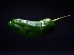 195 #365 (erkua) Tags: verde green pepper fuji flash fresh fujifilm pimiento fresco fujinon strobist minisoftbox xf35mm yn622c yn568ex yn622ctx
