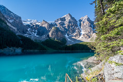 Moraine Lake (Julien//K) Tags: park morning trees light lake snow canada mountains nature water landscape outdoors nikon turquoise tokina national alberta banff 1224mm f4 breathtaking moraine autofocus greatphotographers d7100