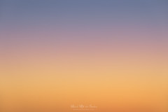Atardecer minimalista (Mimadeo) Tags: pink blue sunset red summer sky orange abstract beautiful twilight colorful heaven bright dusk background empty graduation nobody clean clear gradient cloudless grad tranquil graduated
