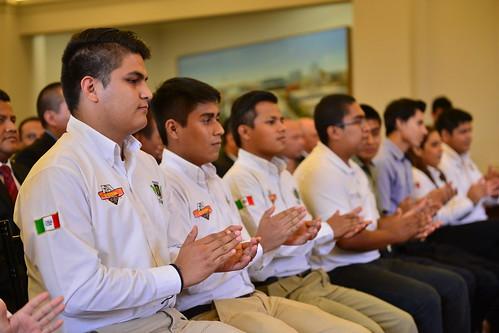 El gobernador, Javier Duarte de Ochoa se reunió con un grupo de estudiantes de Institutos Tecnológicos Superiores