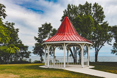 Gazebo by The Lake (A Great Capture) Tags: promenade longbranchpark long branch park red gazebo etobicoke longbranch lake ontario toronto 416 tree trees grass green agreatcapture agc wwwagreatcapturecom adjm on canada canadian photographer ash2276 ashleylduffus ald mobilejay jamesmitchell summer summertime 2016 canon 70d eos city water leafs leaves