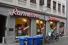 Karmeliten Apotheke (Florian Hardwig) Tags: mnchen lettering script pharmacy neonsign