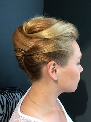 """Chignon banane • <a style=""""font-size:0.8em;"""" href=""""http://www.flickr.com/photos/115094117@N03/18606555585/"""" target=""""_blank"""">View on Flickr</a>"""