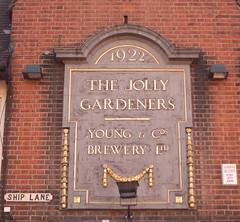 Plaque pub The Jolly Gardeners Mortlake RIMG0048cr (rowchester) Tags: jolly gardeners mortlake brewery 1922 young ship lane