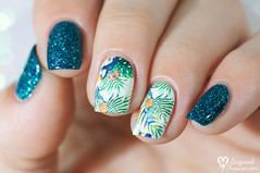 Nicole Diary - Tropical waterdecals (www.lacqueredobsession.com) Tags: nail art design polish holographic waterdecal nicolediary elcorazn teal tropical