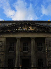leith (edinburgh), custom house (violica) Tags: regnounito unitedkingdom scozia scotland edimburgo edinburgh leith customhouse frontone pediment colonne columns tramonto sunset