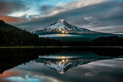 trillium mt hood-3918ps (Light of the Moon Photography) Tags: trillium lake mount hood twilight dusk clouds snow plows reflection cascades volcano oregon