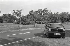 img024 (Yu,Tsai) Tags: film car 50mm iso400 elmar leitz elmar5cmf35 volkswagenpolo9n3 gtx970 rolleiretro400s leicaiiifreddialselftimer
