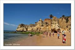 El Algarve - Portugal (Lourdes S.C.) Tags: playa oceano oceanoatlántico acantilados elalgarve portugal