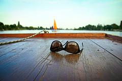 Vacation (C_MC_FL) Tags: sunglasses shades boat water altedonau vienna austria summer canon eos 60d sonnenbrillen boot wasser lake see wien sterreich sommer fotografie photography vacation ferien relax entspannen tamron b008 18270 vignette fokus focus dof dephtoffield tiefenschrfe schrfeverlauf