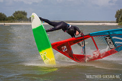 WS20160804_8171 (Walther Siksma) Tags: friesland 2016 maaikehuvermann makkum surf windsurf windsurfing jump freestyle pwa beach