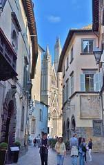 Orvieto street scene (stevelamb007) Tags: italy orvieto umbria stevelamb nikon d90 streetscene cathedral