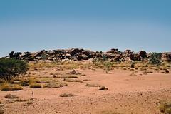 Australian Landscape (Stefan Ulrich Fischer) Tags: 35mm australia downunder minoltaxd7 kodakektachrome outback oz analogue scanned outdoor slide northernterritory nationalpark devilsmarblesconservationreserve landscape