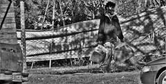 Cruel realidad (Luiggito) Tags: mendigo streetphoto street calle callejera fotodeldia fotocallejera monocromtica realidad realidades pobreza beggar