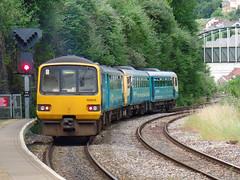 142085 & 143625 Pontypridd (3) (Marky7890) Tags: station train railway pacer pontypridd dmu class142 atw class143 143625 142085 2t24