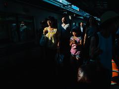 Naka-Meguro, Tokyo, 2016 (librarymook) Tags: street japan train tokyo candid platform streetphotography documentary jr commuting dailylife nakameguro 2016 meguroku  streetphotographers mobilephotography vsco everybodystreet vscocam iphone6s