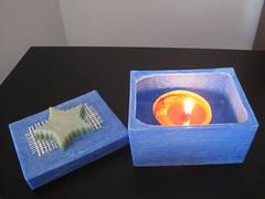 CAJA RECTANGULAR AZUL  HECHA DE CERA (ilmiomondoincera) Tags: azul casa artesanal caja estrella regalo multicolor cera rectangular t decoracion