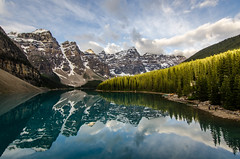Moraine Lake Sunrise (TheReilDeal) Tags: banff banffnationalpark morainelake valleyofthetenpeaks mountains lake glacier alberta turqoise reflection sunrise