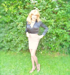green (Katvarina) Tags: green crossdress crossdresser crossdressing tgirl tgurl transgender satin blacksatin satinblouse heels wetheels blonde skirt