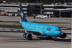 PR-AIU A330-243 Azul Linhas Aereas (eigjb) Tags: praiu a330 airbus azul brasil airliner jet transport fort lauderdale hollywood international airport kfll fll florida usa february 2016 aircraft airplane plane spotting aviation beech beech18 n320gb