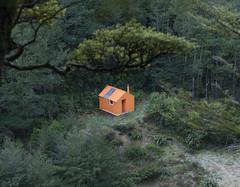Monopoly House (Ruahine Tramper) Tags: newzealand orange trekking hut doc tramping ruahine departmentofconservation makaroro