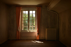 Urbex (cataldo.gerald) Tags: old abandoned window room urbanexploration mansion chambre fenêtre oldmansion urbex abandonedplace abandonedroom lieuabandonné