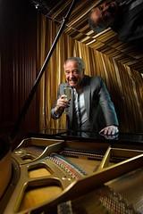 Jos Alfredo Fuentes (Zorromr) Tags: chile portrait retrato cantante musica music strobist flash rapidbox piano