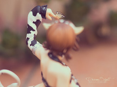 Sometimes you can catch a butterfly (DreamSight) Tags: figure pvc manga anime cow butterfly hand holstein hanako bullet tsukasa 02