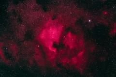 L'amerique du nord et le pelican (fredbeaupre) Tags: longexposure blue red summer sky canada black quebec nebula astrophotography northamericanebula deepsky pelicannebula deepskyobject