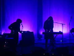 Beach House - Victoria Legrand & Alex Scally with James Barone & Skyler Skjelset (Peter Hutchins) Tags: house beach alex james dc washington victoria beachhouse skyler scally barone 930club legrand victorialegrand alexscally jamesbarone skylerskjelset skjelset