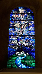 St Mary the Virgin Church stained glass window, Iffley, Oxfordshire (Pjposullivan1) Tags: stmarythevirginchurch iffley anglican stainedglasswindow jesus treeoflife