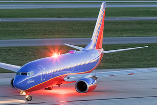 Southwest Airlines Boeing 737-700 N448WN KCMH 01MAY15