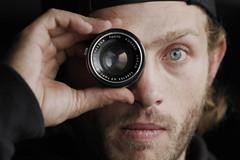 (Noel.fogliA) Tags: portrait male lens tokyo photo retro blond lente blueeye objetivo kogaku topcor 53mm wero noelfo noelfoglia foglialens