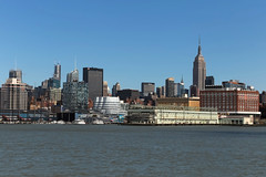 Chelsea - New York City (USA) (Meteorry) Tags: city nyc newyorkcity urban usa newyork skyline america river pier chelsea afternoon waterfront unitedstates unitedstatesofamerica midtown april empirestatebuilding empirestate hudson westsidehighway frankgehry bigapple aprsmidi metlifebuilding interactivecorp jeannouvel 2015 pier57 meteorry iacbuilding superpier 100eleventhstreet