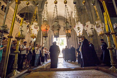 (Alex Brey) Tags: holiday church architecture israel corpuschristi jerusalem ritual procession mass churchoftheholysepulchre byzantine liturgy holyday alquds circumambulation