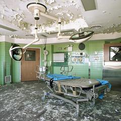 (.tom troutman.) Tags: bronica sqai film analog 120 6x6 mediumformat fuji pro 160 expired abandoned hospital ny