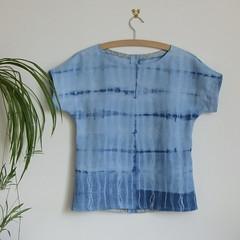 simple linen top (Nina (Toft's Nummulite)) Tags: sewing shirt top linen tiedye shibori procion vintagefabric simple kimonosleeves whomademyclothes thrifty nl6217