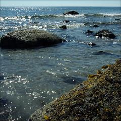 2016-07-27 - Long Sands Beach - York  (14) (Paul-W) Tags: longsandsbeach york maine beach sand waves sun ocean surf sky 2016 rocks