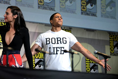 Gal Gadot & Ray Fisher (Gage Skidmore) Tags: zack snyder ben affleck henry cavill gal gadot ray fisher ezra miller jason momoa justice league film san diego comic con international california convention center