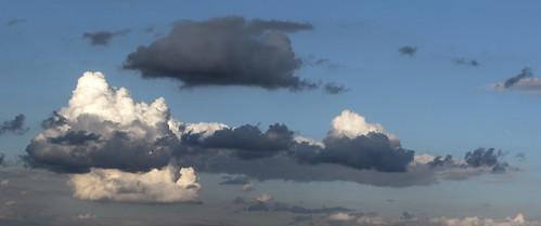 Kto powiedział, że chmury są białe...? / Who said the clouds are white...?