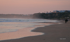 05-070505 Spanien 3 145-001 (hemingwayfoto) Tags: abend andalusien atlantik conildelafrontera dunst europa meer menschen radtour reise sand sonnenuntergang spanien spaziergang strand wellen