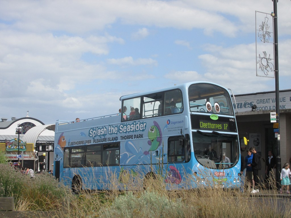 Stagecoach Grimsby Cleethorpes 16965 YJ04FZF Cleethorpes Pier on 17 (2)  (1280x960) (