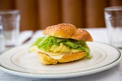 011-arthurs-photo susan moss (The Montreal Buzz) Tags: montreal quebec canada susan moss arthurs restaurant nosh plat repas sandwich vert jaune djeuner
