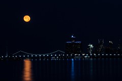 Full Moon July 2016-102 (That Girl, Teri) Tags: detroit fullmoon technicaldifficulties rencen gmbuilding betterlucknexttime unedtied rightfromcamera