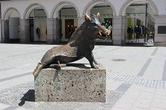 Boar Statue in Munich (pegase1972) Tags: statue germany munich europe allemagne boar
