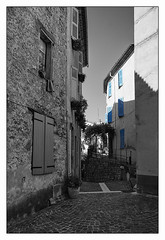 Provence (Swede66) Tags: city blue summer france blackwhite provence oldtown 2016 selectivecoloring tourrettes