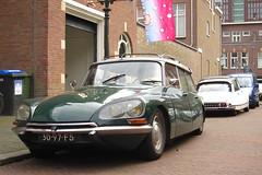 1968 Citroën ID 21 F Break Comfort (rvandermaar) Tags: 1968 citroën id 21 f comfort break citroënid citroënds ds citroënidbreak citroëndsbreak citroen citroenid citroends citroendsbreak sidecode2 3097fs 0884vv rvdm