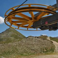 Quasi alla meta. (GiannLui) Tags: santuario laclavalit valledaosta 20072016 2016 esposizionemanuale strada montagna altamontagna cheneil clavalit ruleuf16 regola del 16 regoladel16 sunny16rule chamois vadaosta cervino alpi montecervino