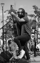 Mile of Music 2016. Appleton,WI (RICHARD OSTROM) Tags: mileofmusic 2016 wisconsin event afternoon appleton summer street game bold beer bro music man monochrome